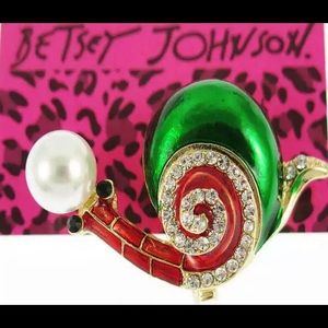 BETSEY JOHNSON~ SNAIL Brooch/Pin
